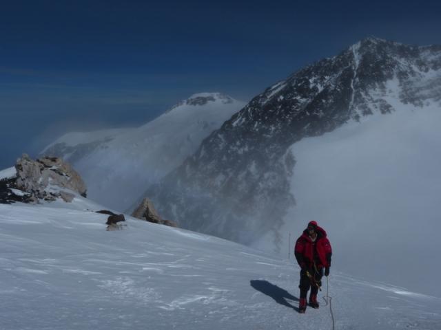Ganando altura el dia de cumbre a 5.800m