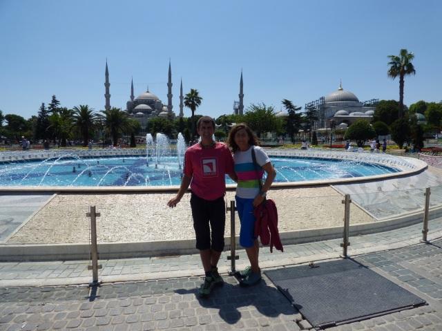 Al fondo la mezquita Azul.